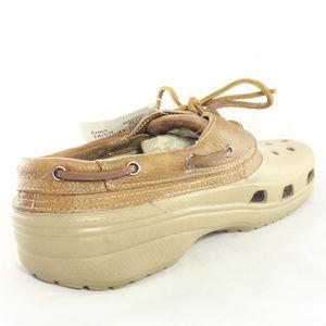 3fc7cb9cab930e CROCS Shoes - NWT CROCS Islander Brown Leather Boat Shoes